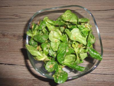 Feldsalat mit Feigen-Senf-Dressing