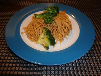Vollkornspaghetti mit Brokkoli
