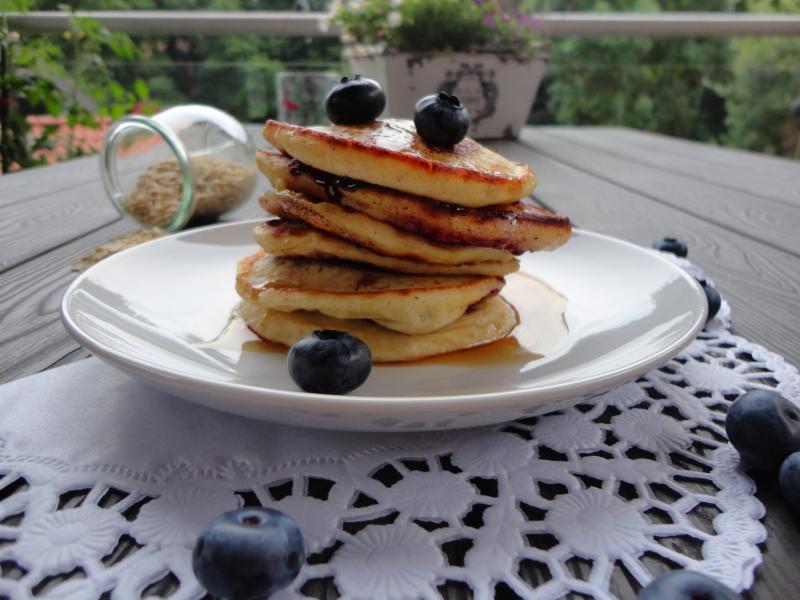 Buttermilch-Blaubeer-Pancakes